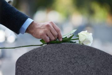 Sterbegeld – eine ausreichende Hinterbliebenenversorgung im Trauerfall?