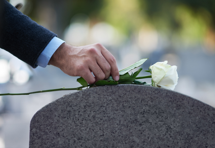 rentenbote.de  - Sterbegeld – eine ausreichende Hinterbliebenenversorgung im Trauerfall?